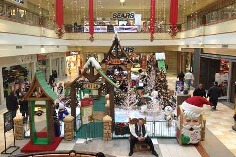 Santa's set-up in Colonie Center